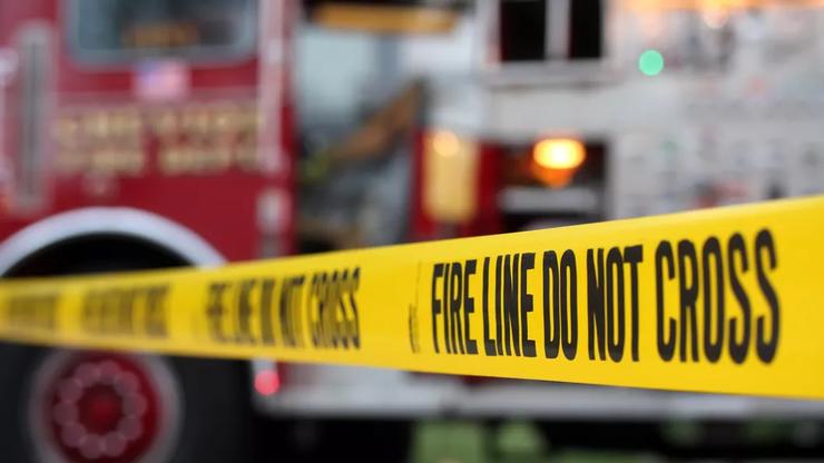 Firefighters Extinguish Half-Acre Brushfire Adjacent to 105 Freeway