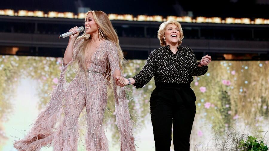 Jennifer Lopez Shares A 'Sweet' Duet With Her Mother At 'VAX Live' Concert