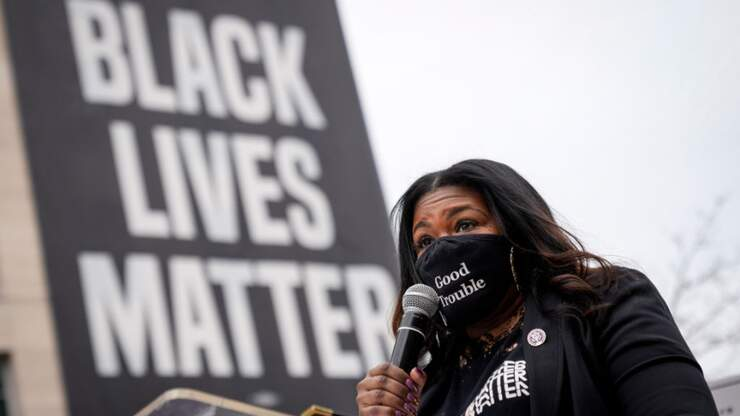 Cori Bush Says America Is 'Racist AF,' Supports Defunding St. Louis Police