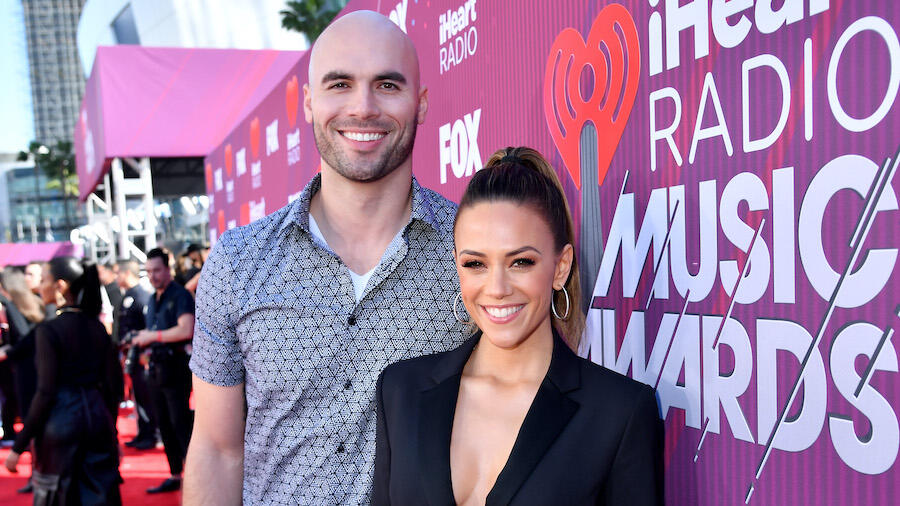 Jana Kramer Breaks Down Crying In 1st Podcast Amid Mike Caussin Divorce