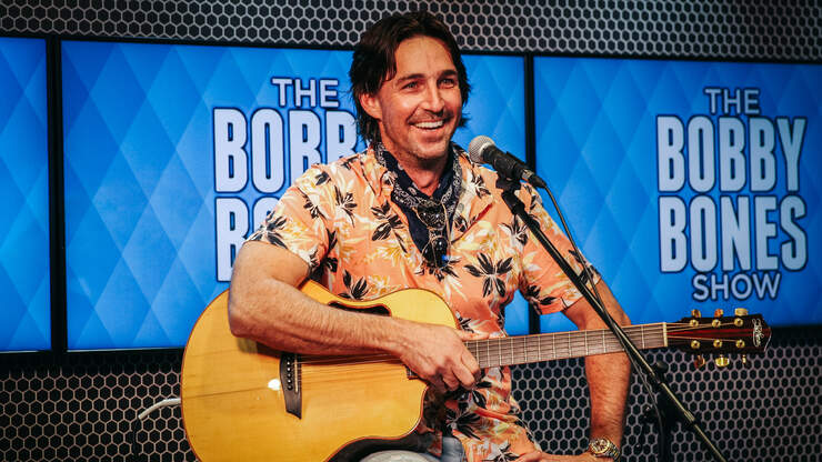 Jake Owen Shared The Time Dolly Parton Sent Him A Heartfelt Note