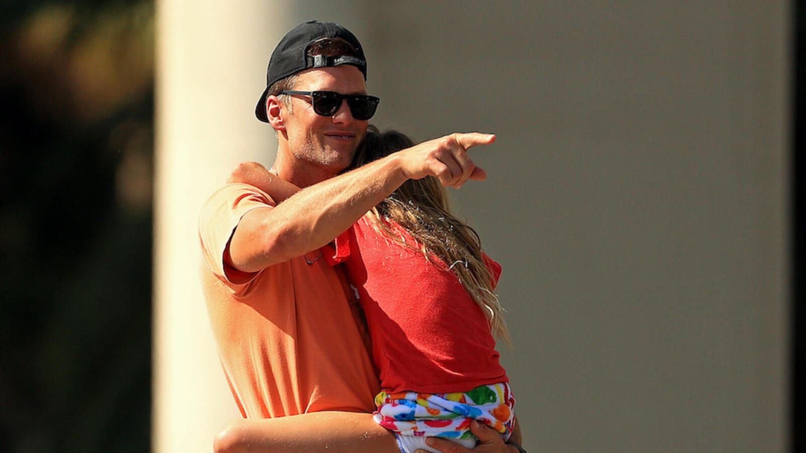WATCH: Brady Sends A Message To Rodgers, DeChambeau Ahead Of 'The Match'