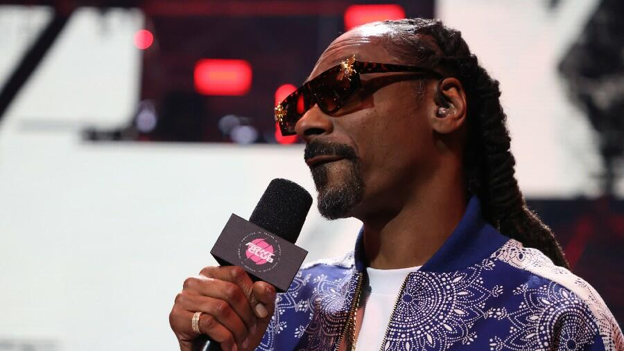 Snoop Dogg Asks For Prayers From Family, Friends For His Mother