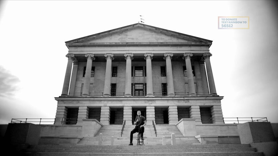 Brothers Osborne Perform 'Younger Me' At Tennessee State Capitol Building