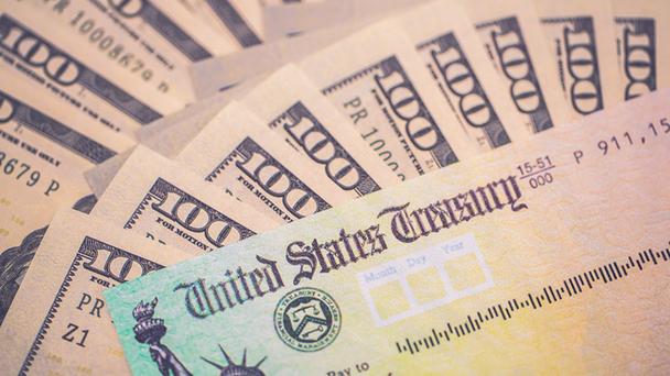 AQUÍ te decimos CÓMO OBTENER $25,000 DÓLARES en cheques de estímulo