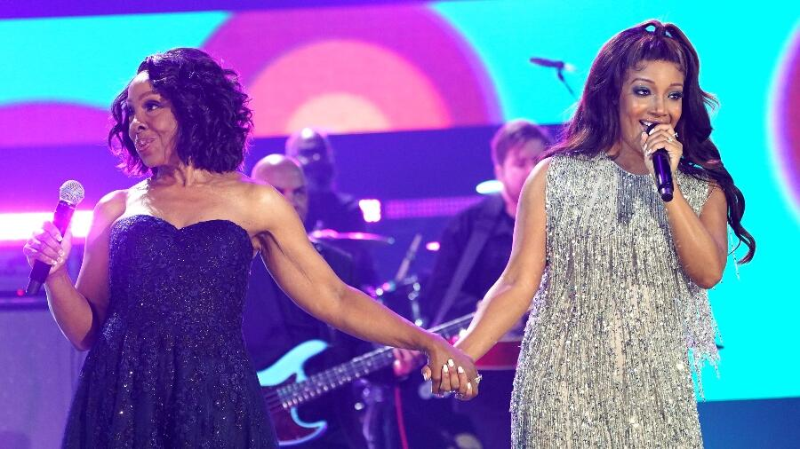 Mickey Guyton, Gladys Knight Join Forces For Powerful CMT Awards Collab