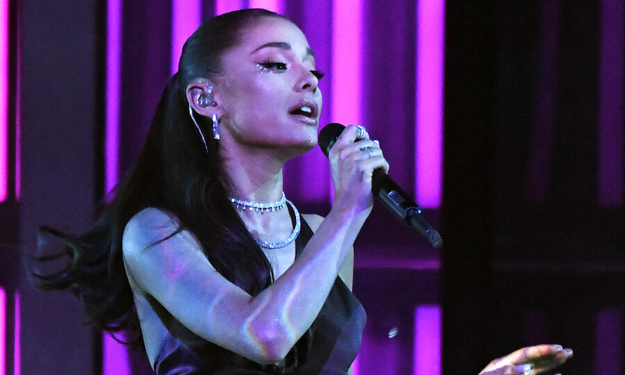 Ariana Grande Looks So Fierce In Behind-The-Scenes Photos From 'The Voice'