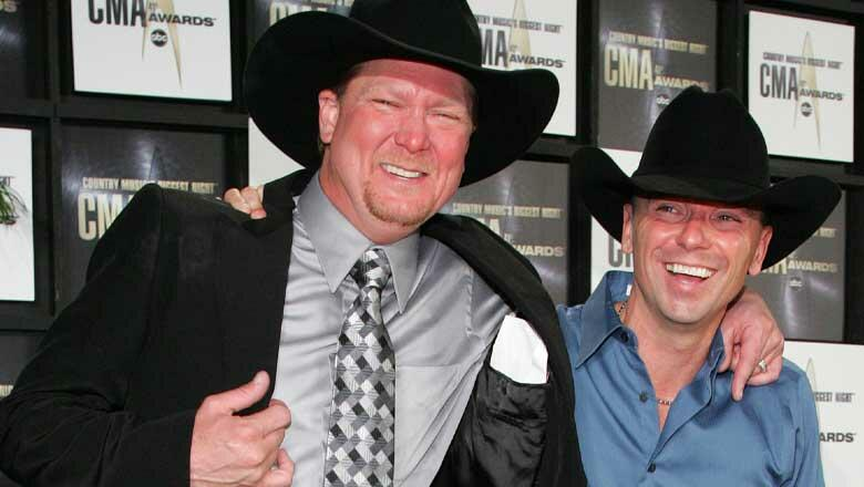 Kenny Chesney Pranked By Tracy Lawrence