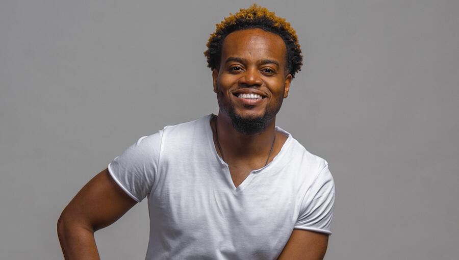 Travis Greene Teams Up With Kirk Franklin & John P. Kee On 'Hold On Me'