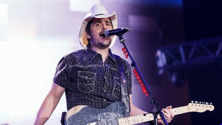 Brad Paisley Joins Discovery Channel's 'Shark Week' Lineup