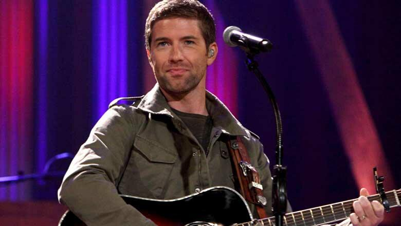 Josh Turner Duped By Roy Clark At The Opry