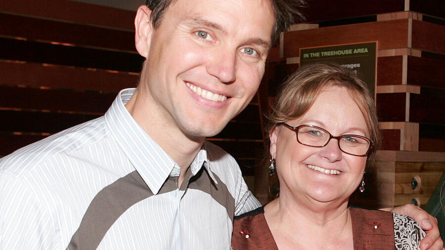 Mark Hoppus Reveals He Has The Same Type Of Cancer His Mom Had — And Beat