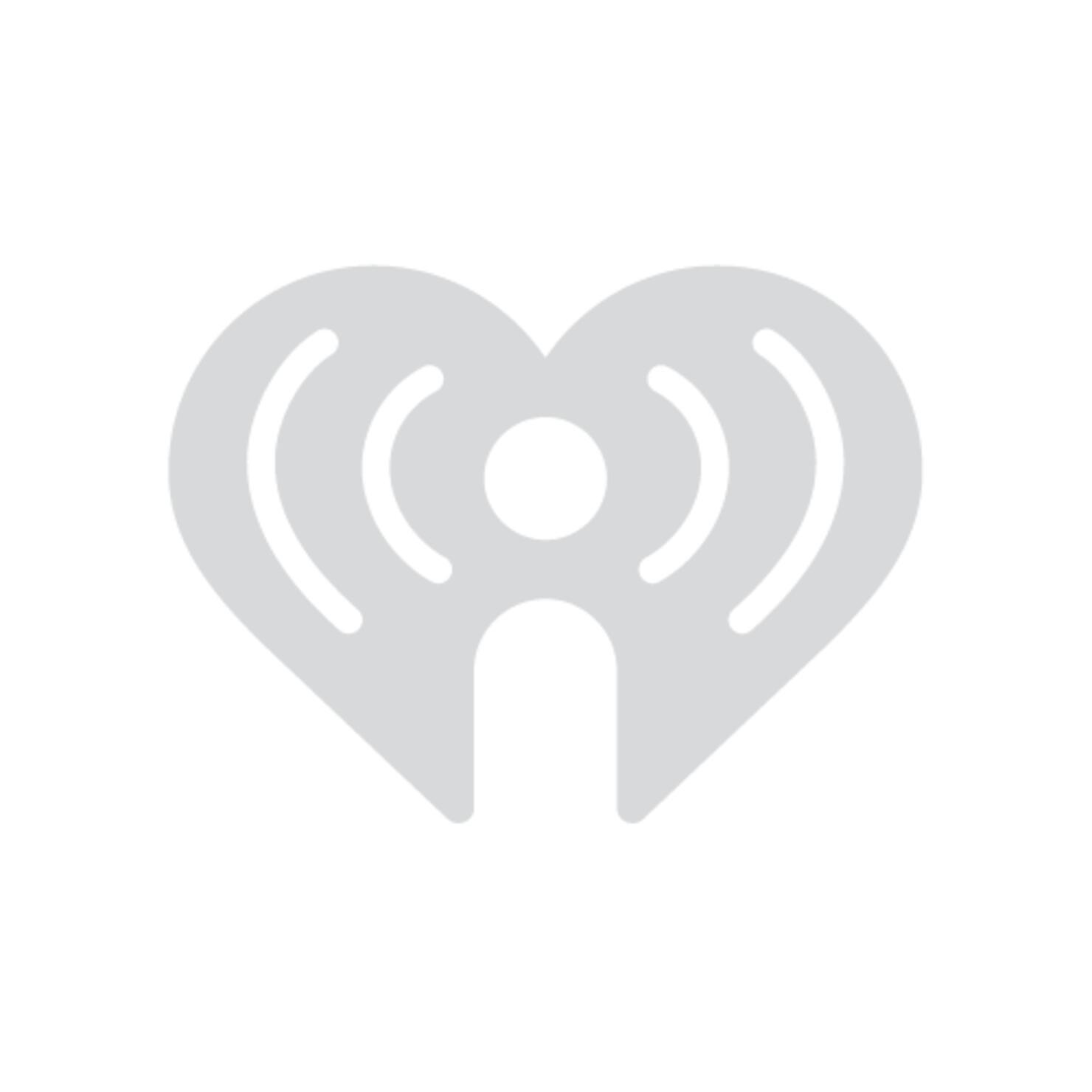Farruko se robó el show en Premios Juventud con el mensaje a DIAZ CANEL    iHeartRadio