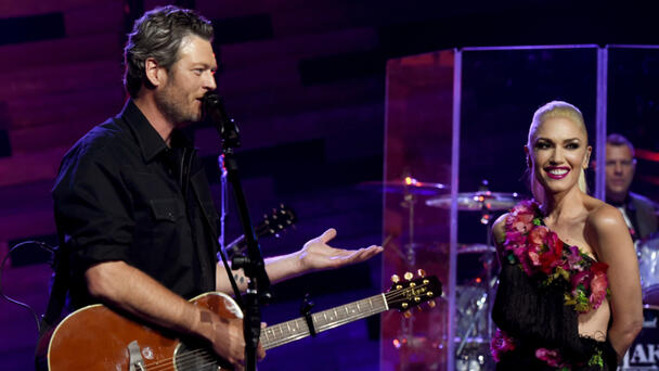 WATCH: Blake Shelton Joins Gwen Stefani On Stage For Cover Of No Doubt Hit