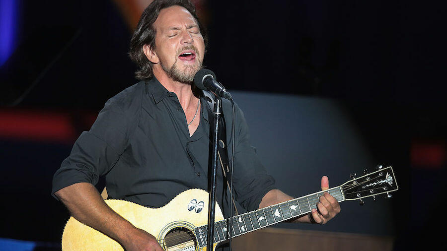 Watch Eddie Vedder Pay Tribute To Kings Of Leon's Late Mother At Ohana Fest