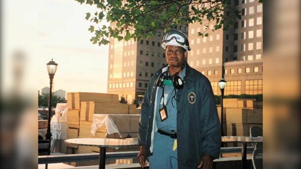 Meet Darryl Warner — Hero Who Risked His Life To Help Identify 9/11 Victims