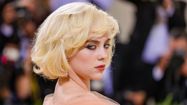 Billie Eilish Reveals 'No Time To Die' Easter Egg For James Bond Fans