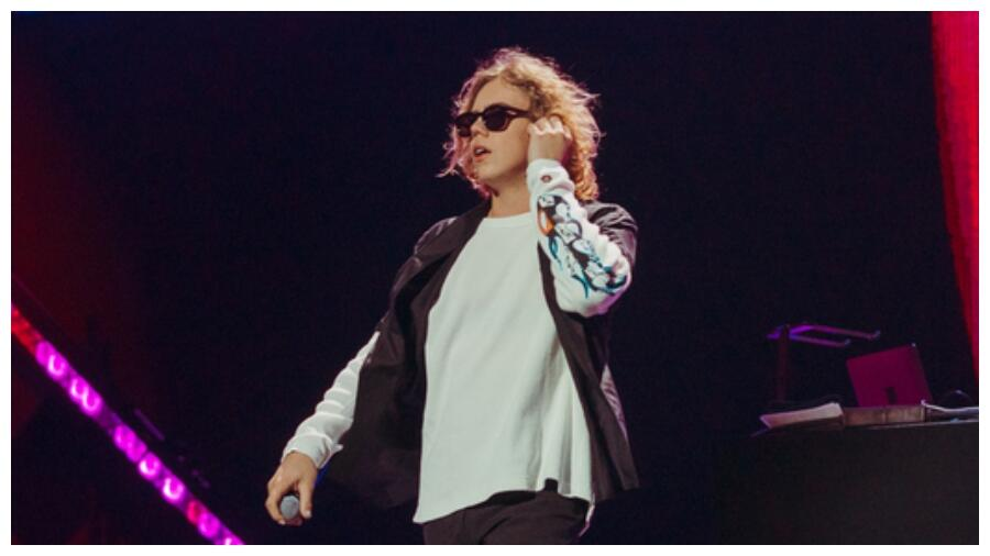 The Kid LAROI Pulls Double Duty At The iHeartRadio Music Festival