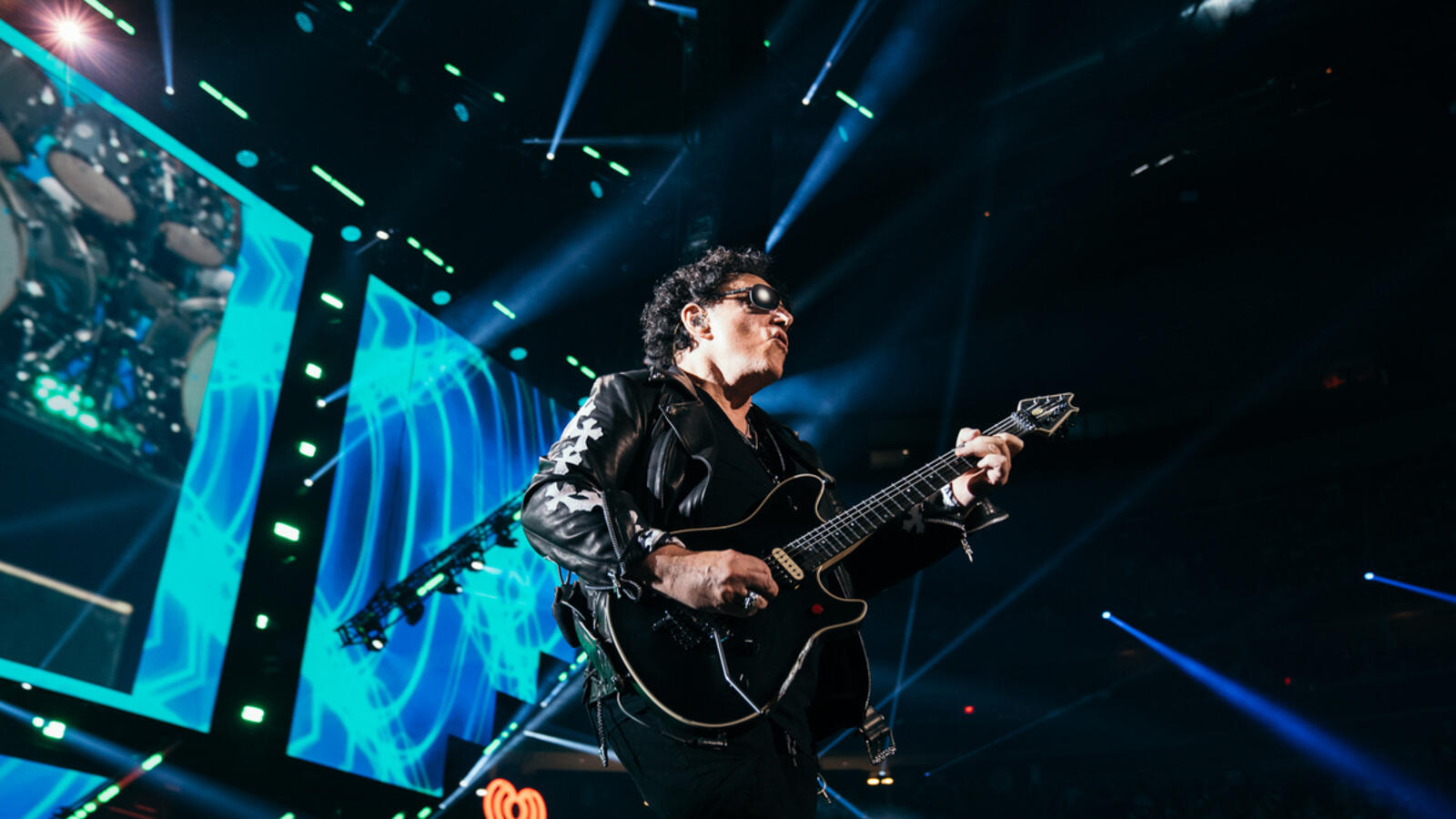 Journey Closes Out iHeartRadio Music Festival With Epic Performance