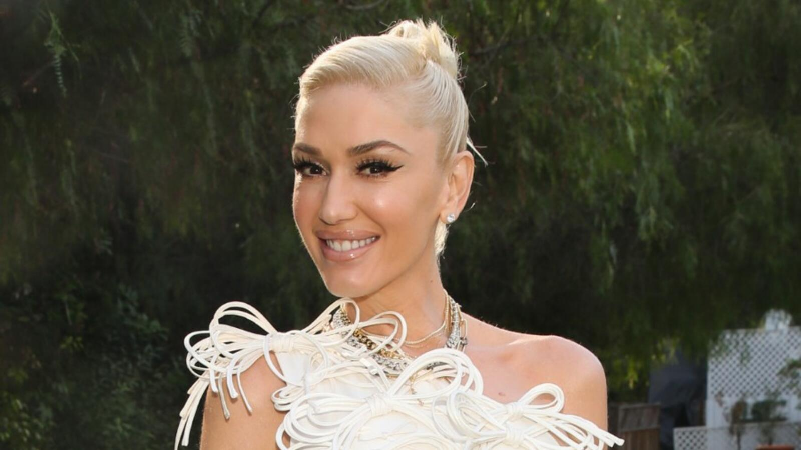See The Moment Gwen Stefani Said Yes To The Dress For Blake Shelton Wedding