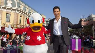 On With Mario - DETAILS: Mario and Family To Host 'The Hollywood Christmas Parade'!