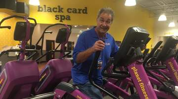 Photos - Eric Hunter Breaks A Sweat At Port St. Lucie's New Planet Fitness!