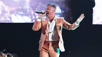 On With Mario - Macklemore Explains Hilarious New Video & Talks Big MusiCares Honor!