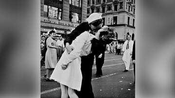 Scott and Sadie - The Sailor from the Most Famous World War II Kiss Has Died