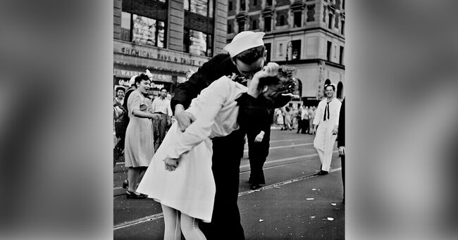 The Kiss VJ Day Times Square