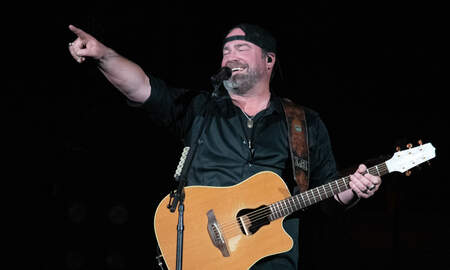Frankie D - Lee Brice surprises fan!