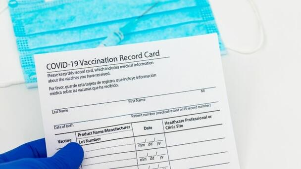 Boston Bar Requires Vaccine Card Proof Or Masks As Delta Variant Cases Rise