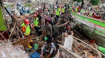 Breaking News - Tsunami, Earthquakes Devastate Indonesia In 2018