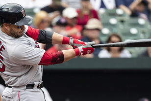 Steve Pearce Big Showing Value As Red Sox Reserve