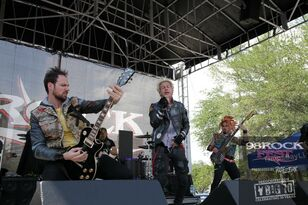 98ROCKFEST: Powerman 5000 performance on the plaza
