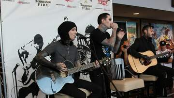 98ROCKFEST - 98ROCKFEST: Motionless in White performing acoustic