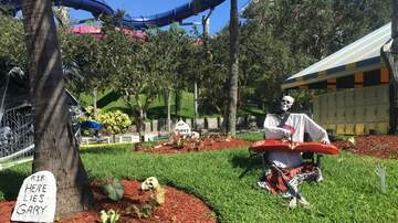 Photos - Carmine is Ready for Halloween at The Rapids!