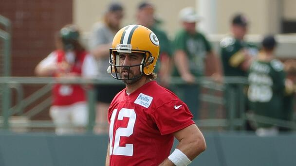 Aaron Rodgers Performed Surgery on the Packers