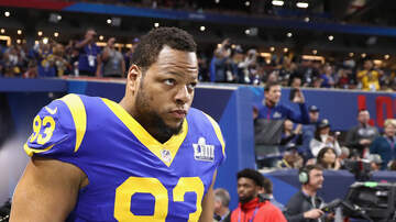 None - Buccaneers Officially Announce Signing Of Ndamukong Suh