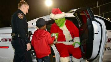 Holidays - 5-Year-Old Calls 911 to Stop the Grinch From Stealing Christmas