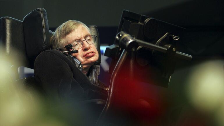 Steven Hawking's Remains To Rest Near Newton, Darwin