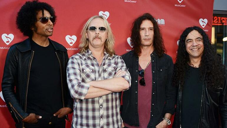 Alice In Chains Adds Canadian Show To Tour