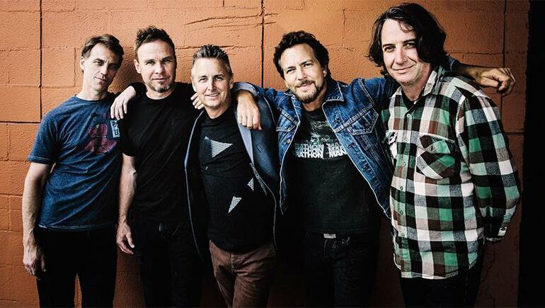 Pearl Jam officialise son retour