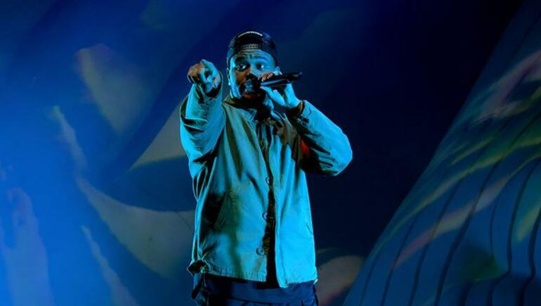 The Weeknd Gets Emotional During Coachella Performance