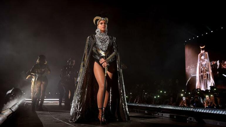 Dancer Reveals Beyoncé Will 'Switch Things Up' For Second Coachella Show