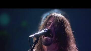 Bailey - Foo Fighters perform on rooftop at Brit Awards!