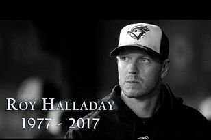 Florida Fans Honor Phillies Pitcher Roy Halladay