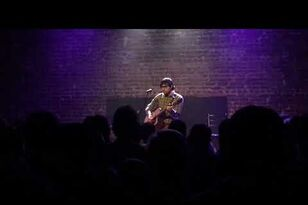Rivers Cuomo (Weezer) Plays Surprise Solo Show