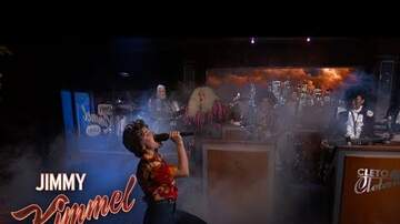 image for Kristen Bell & Dave Grohl Perform Frozen & Metallica Mash-Up