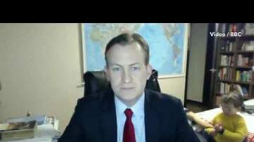 Haze - BBC News expert is interrupted live on air by his KIDS!