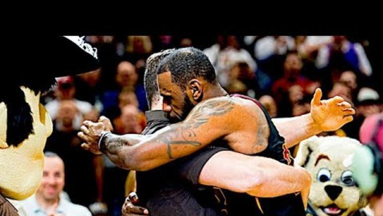 Former Badger Joe Thomas talks retirement, LeBron James